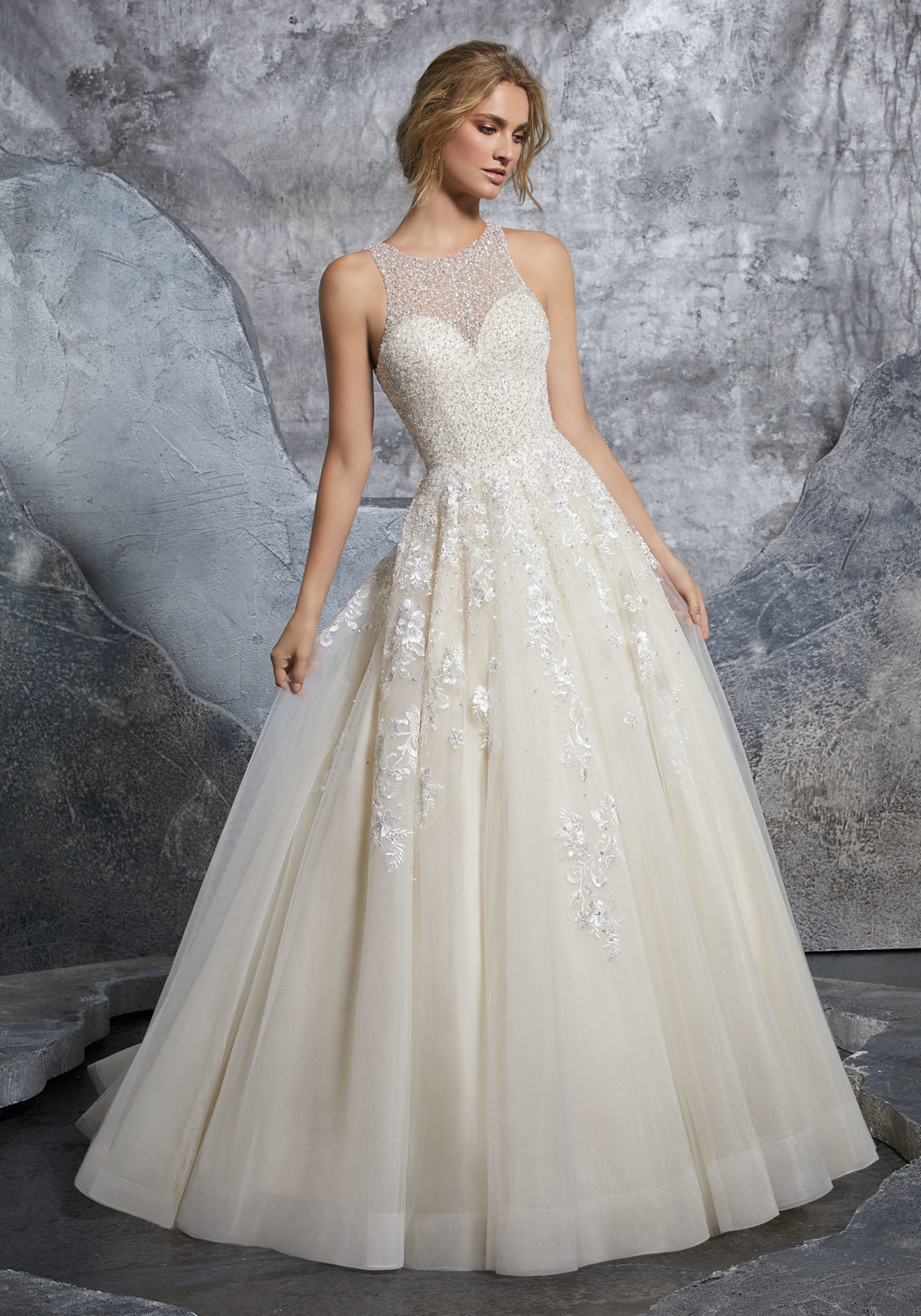 China Princess Bridal Gown Beaded Appliqued Cream Tulle Beach