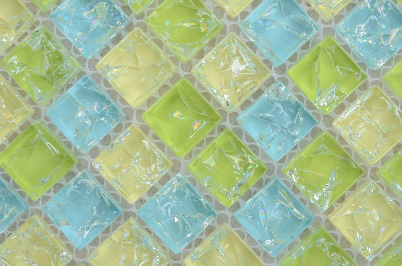 China Colorful Green Blue Yellow Glass Mosaic Tile for Kitchen ...