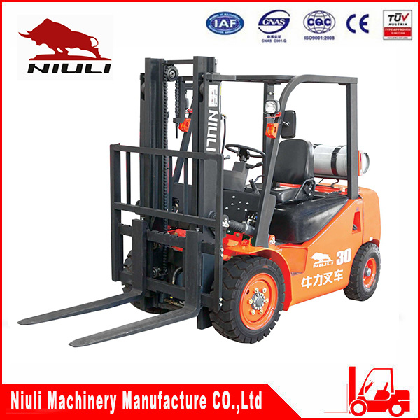 2.5t LPG Forklift with Japan Engine pictures & photos