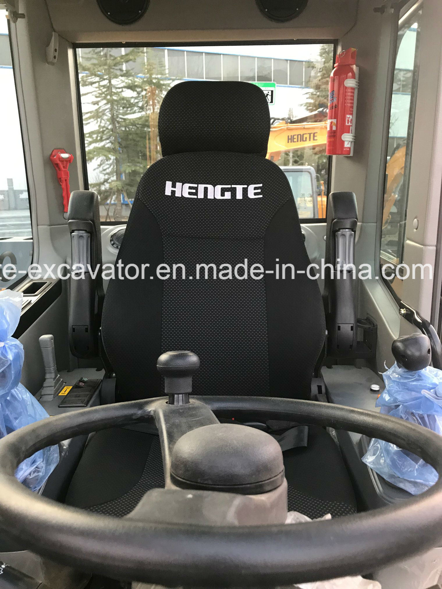 Wheeled Excavator Ht75W pictures & photos
