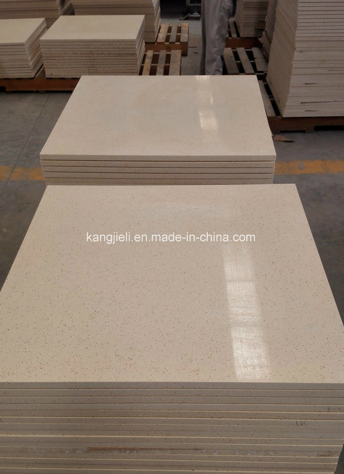 China Cut To Size 80802cm 60602cm Artificial Quartz Stone Floor