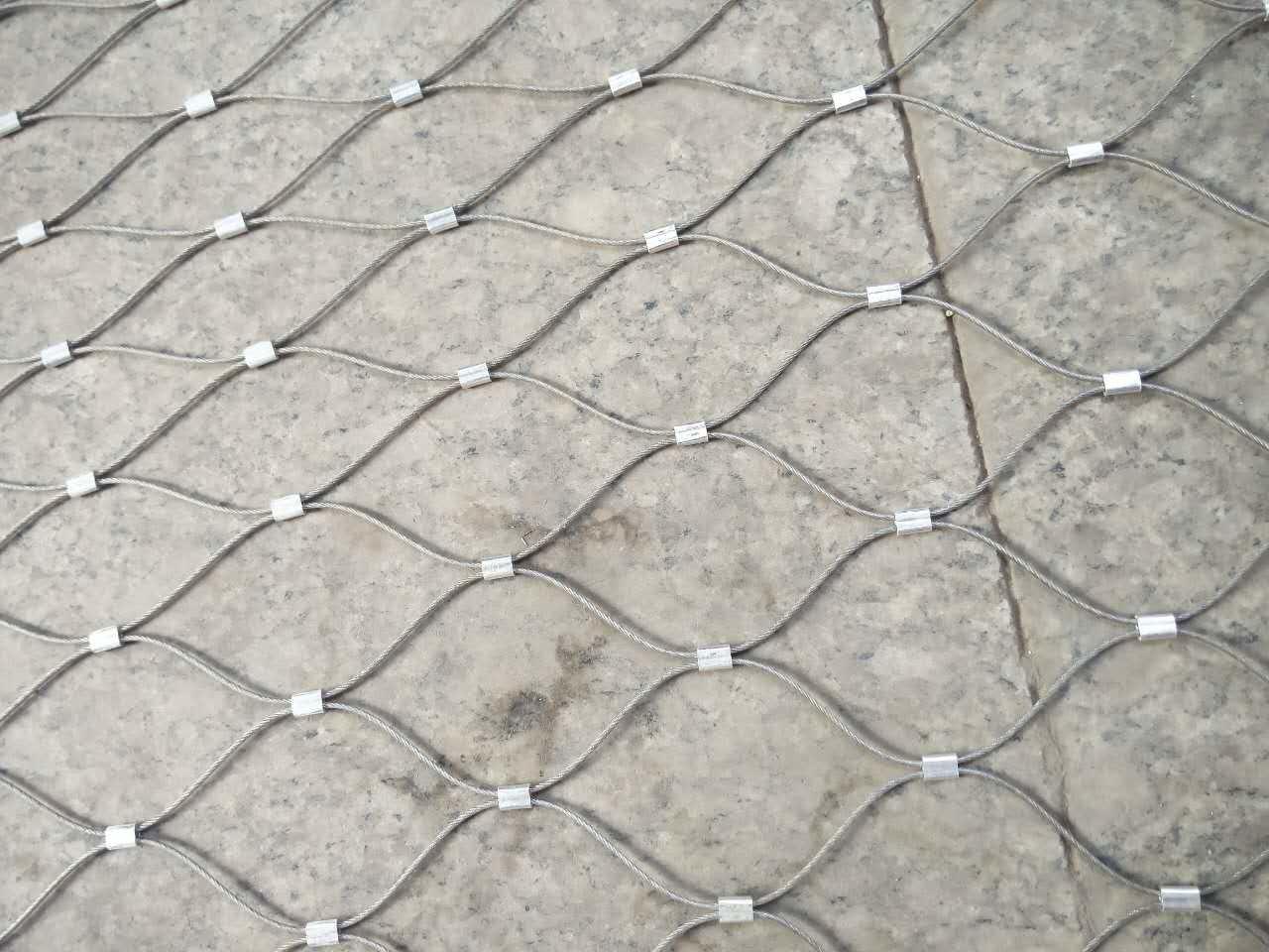 China Stainless Steel Rope Mesh Netting-Animal Zoo Enclosure Aviary ...