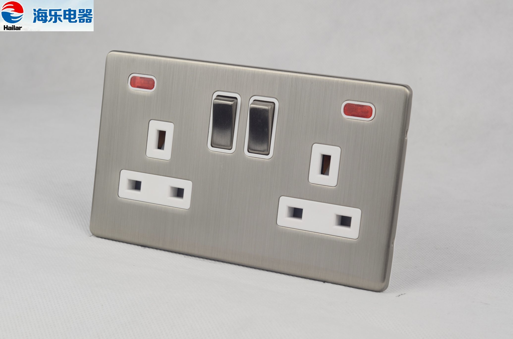 China 13A 2 Gang Double Pole Switched Socket with Indicator Light ...