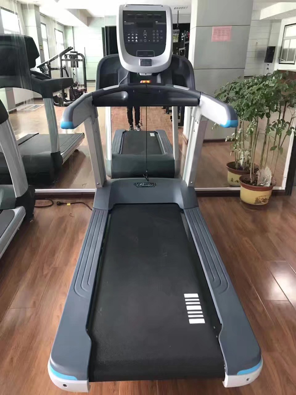 High Quality 2017 Precor Commercial Treadmill Trm 885 (SK-700)