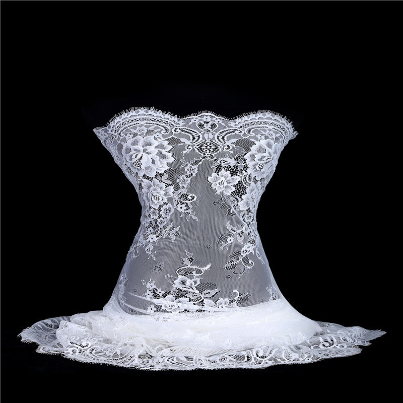 2017 New arrival chantilly lace fabric tulle lace fabric fashion wedding lace 150 cm width gown lace bridal dress fabric