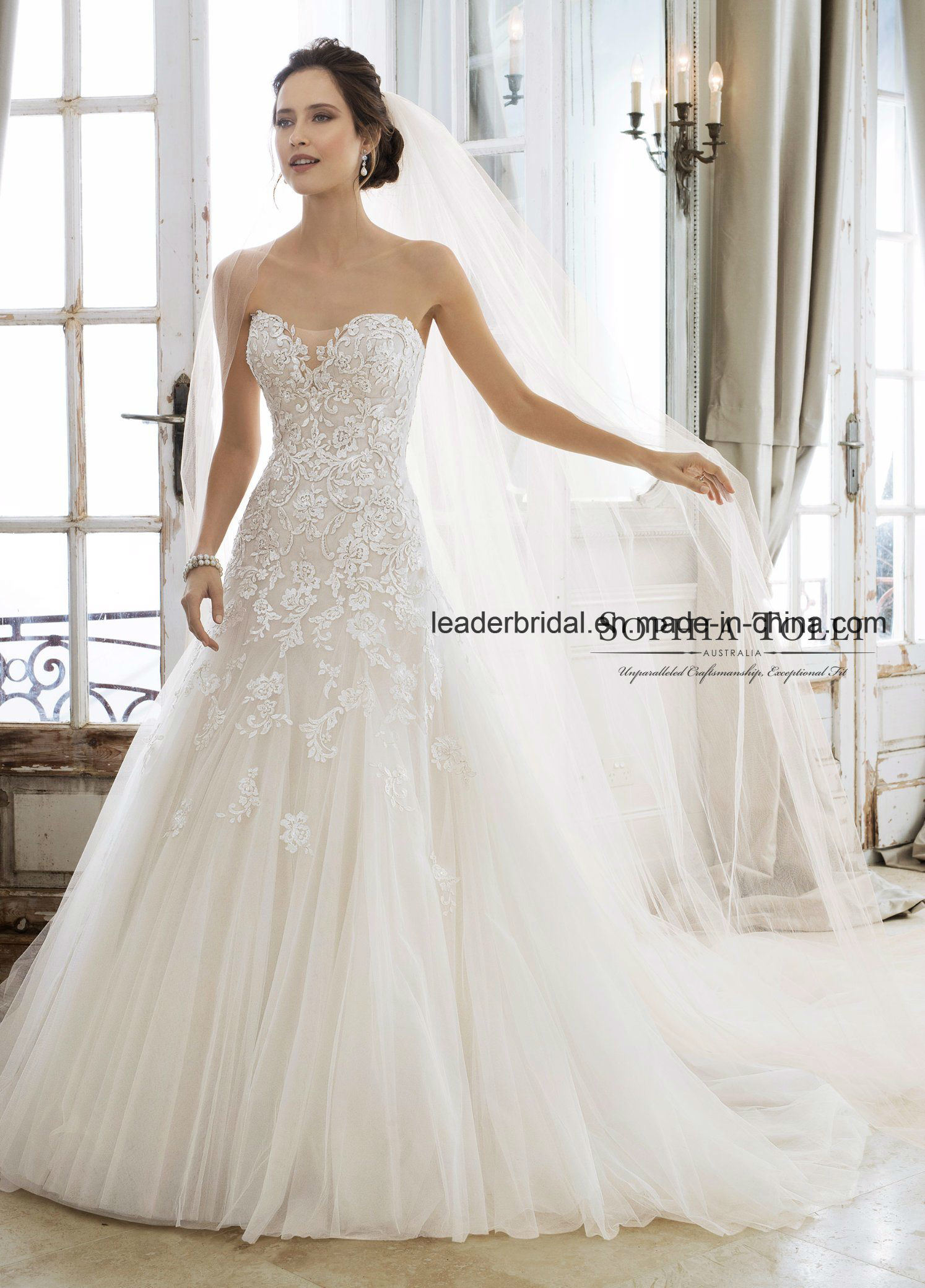 A Line Wedding Dress.Hot Item Strapless Bridal Dress Strapless A Line Lace Beaded Wedding Dresses 2018 E13426