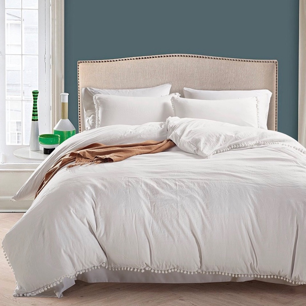 China Wholesale Down Feather Bed Comforter Price King Size Down Comforter China Comforter And Down Comforter Price
