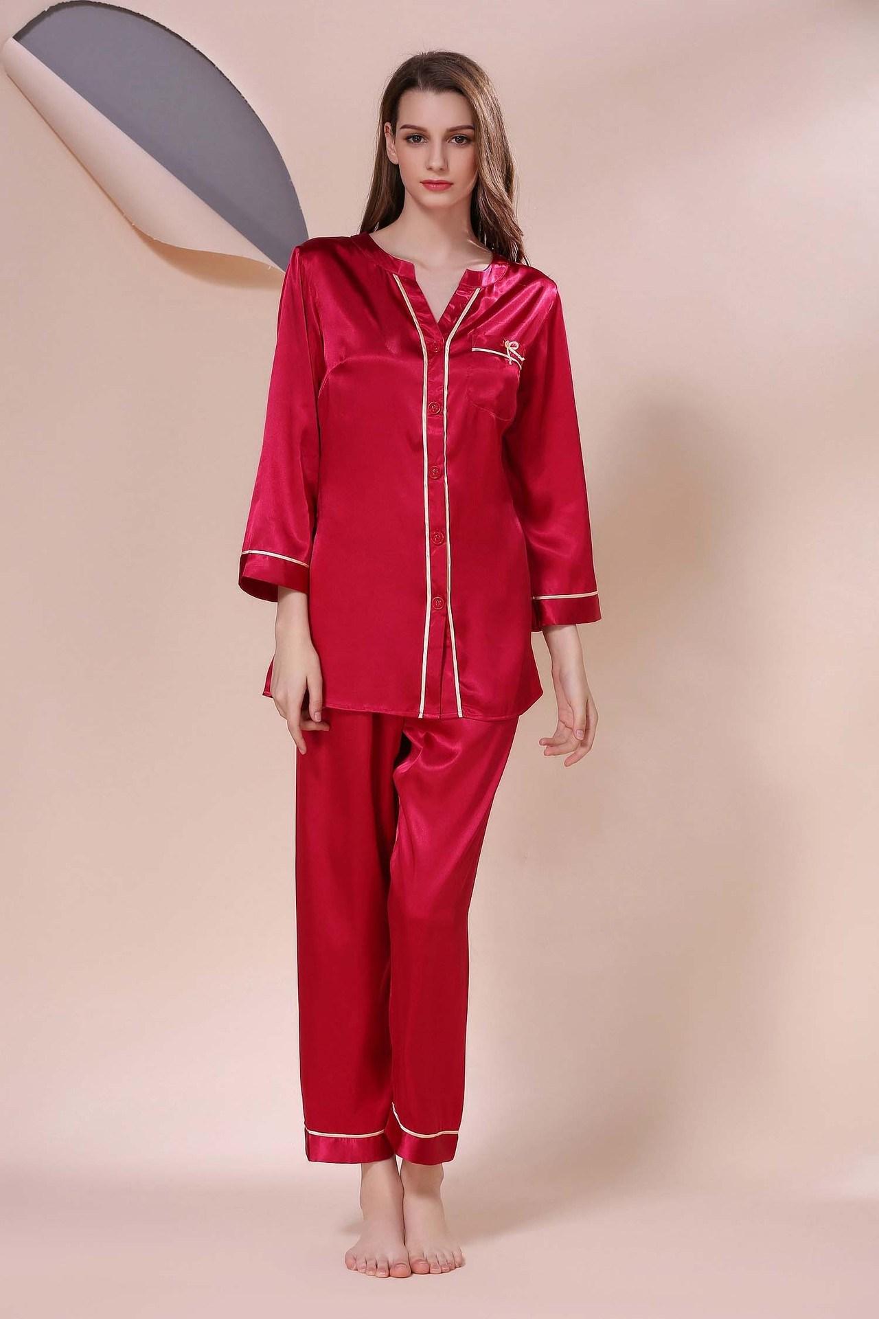 China Sexy Lingerie Ladies Sleepwear Nightwear Women Silk Pajamas Set in Red  Color - China Pajamas 60f200cbf