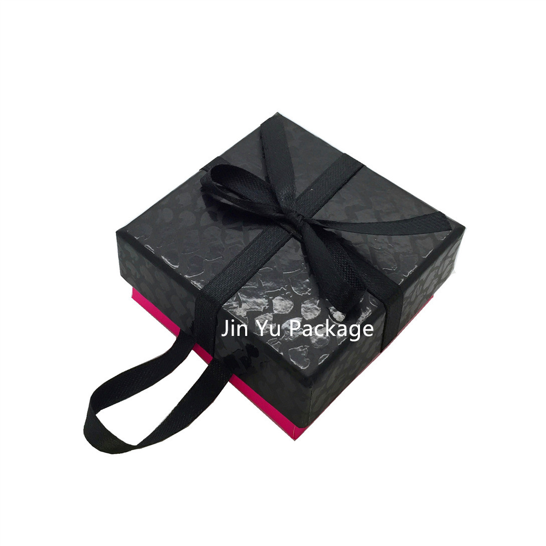 China Custom High End Christmas Paper Gift Packaging Box with UV ...