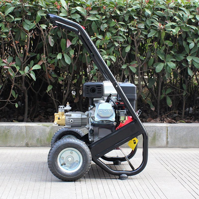 Bison (China) Popular Sale BS-170A 150bar 2200psi Handy Household Gasoline High Pressure Washer pictures & photos
