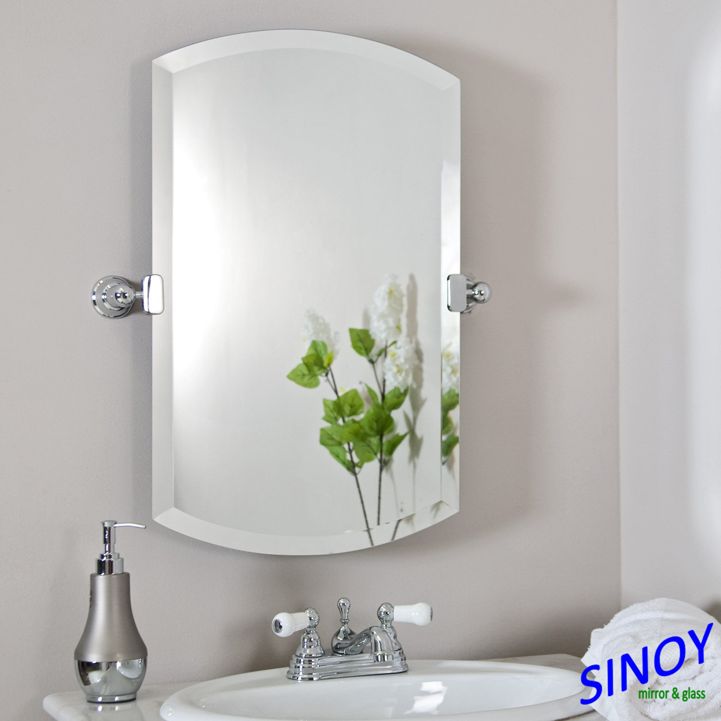 China Two Layers Waterproof Paint Silver Coated Bathroom Mirror ...
