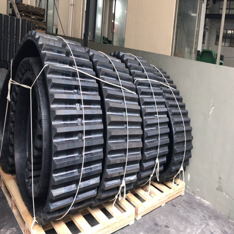 Mitsubishi Ld1000 Rubber Track (800*150*68) pictures & photos