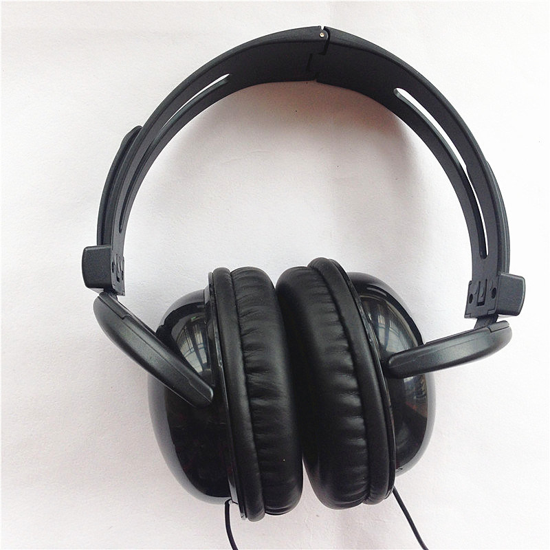 Premium Leather Earbud Headset Earphone Newest Manufacturer Professional 3.5mm Headphones pictures & photos