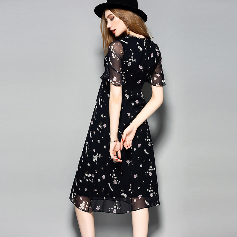 Ruffle Collar Short Sleeve Hollow Waist Lace Silk Women Dress pictures & photos