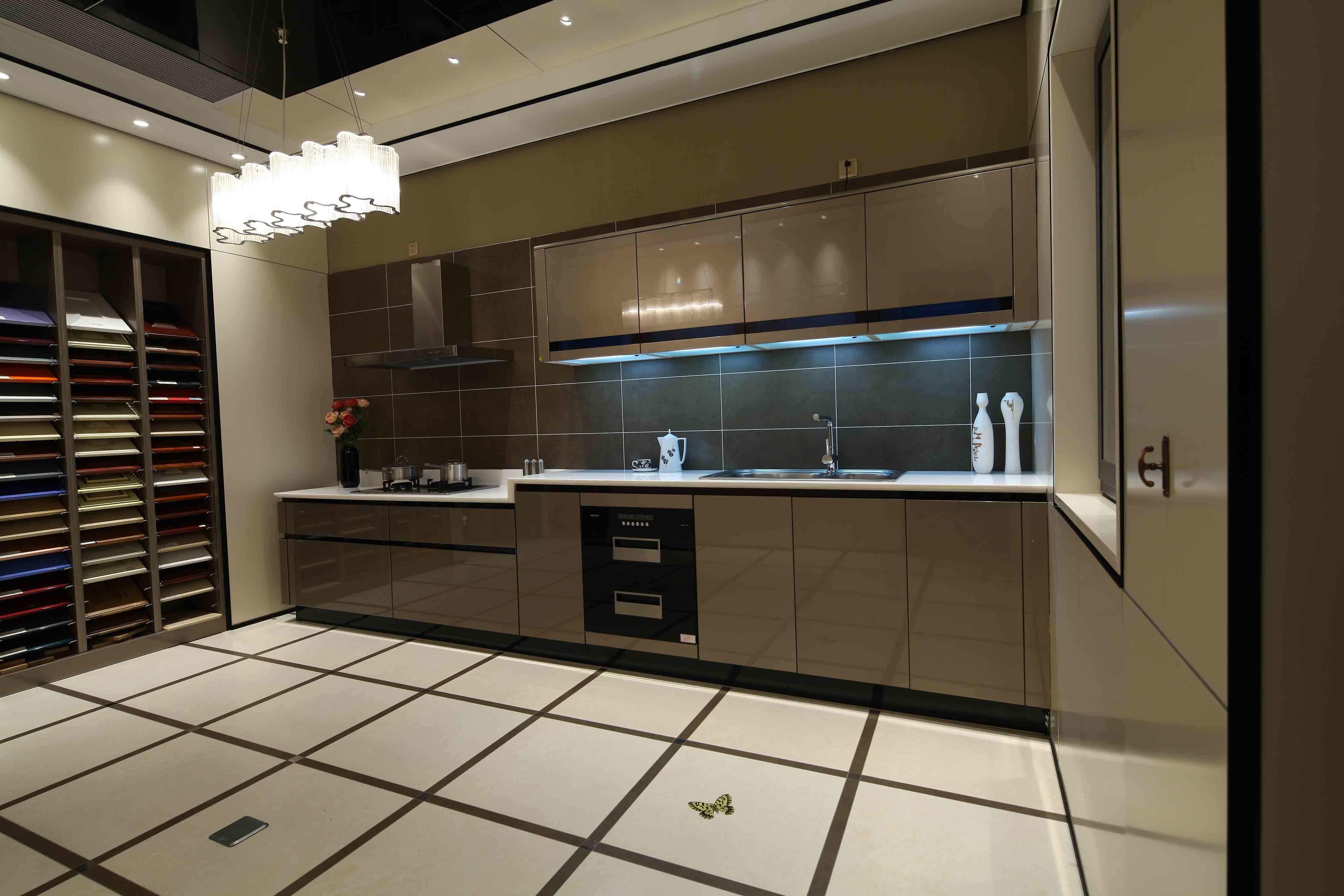 China Brown High Gloss Polyurethane Handless Kitchen ...
