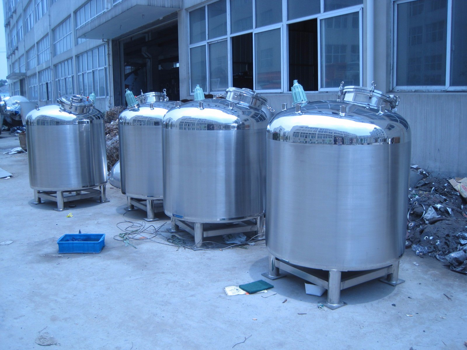 China Stainless Steel Hot Water Storage Tank 2000 Liter - China ...