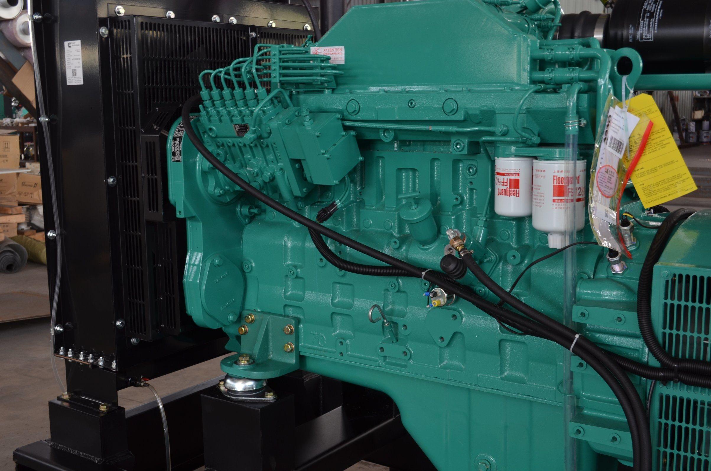 China 200kVA Diesel Generator Set with Cummins Engine GPC200