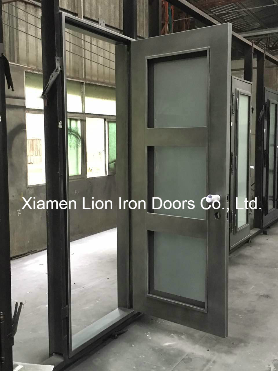 China Elegant House Security Entry Doors Simple Iron Window Grills Design Photos Pictures Made In China Com