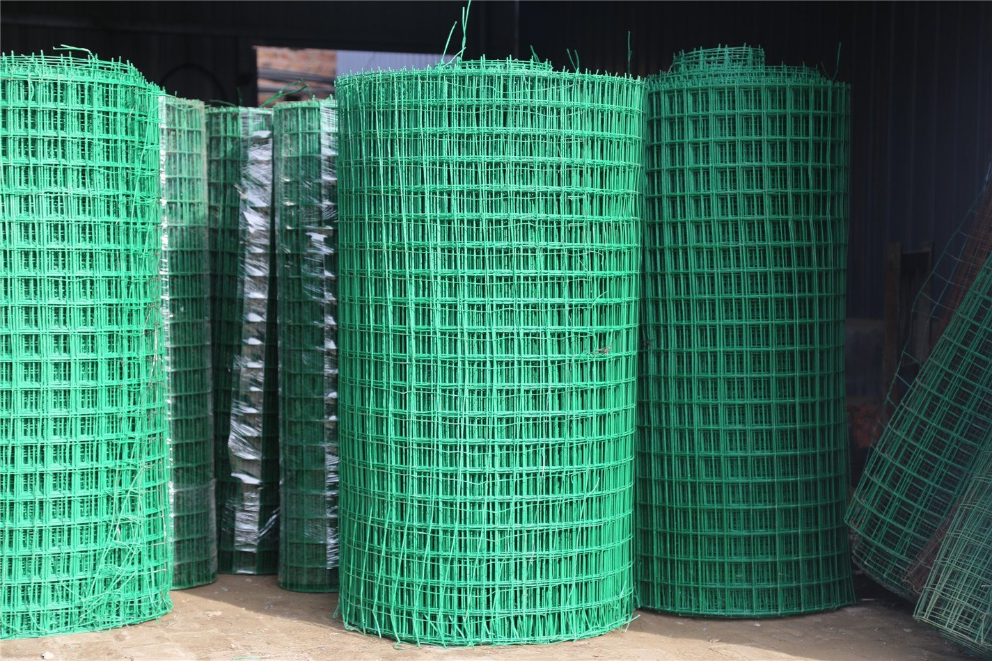China 6mm Steel Bar Welded Wire Mesh Steel Reinforcing Concrete ...