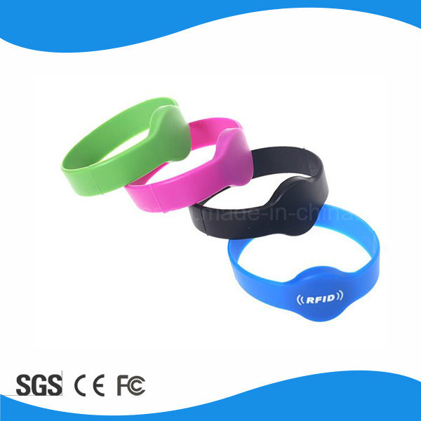 Beautiful Waterproof 125kHz Silicoin RFID Wristband Tag pictures & photos