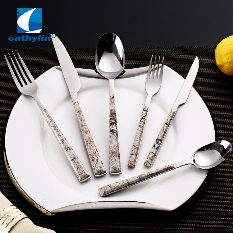 China Odorless Plastic Handle Inox Cutlery Set Home Goods Flatware China Spoon Fork Knife And Serving Cutlery Price