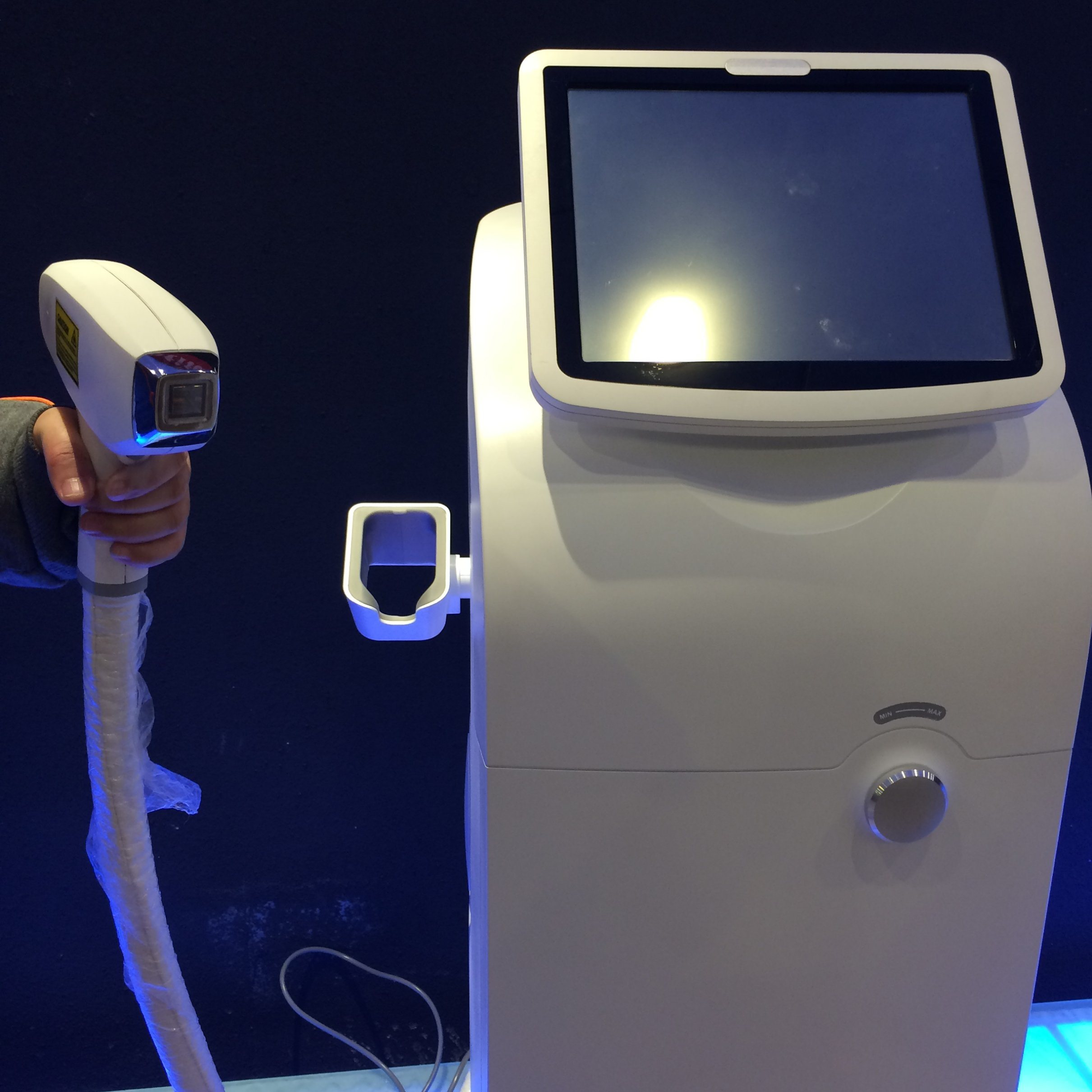 808 Diode Laser Hair Removal Machine pictures & photos