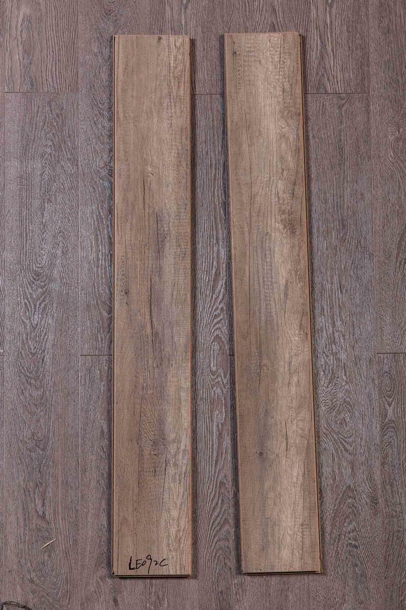 China Lodgi High Quality Laminate Flooring Le092c