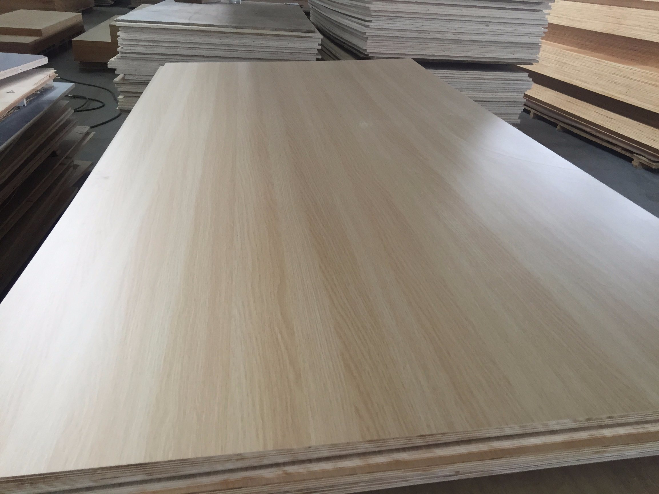 China High Quality Pencil Cypress Plywood Marine Plywood Photos