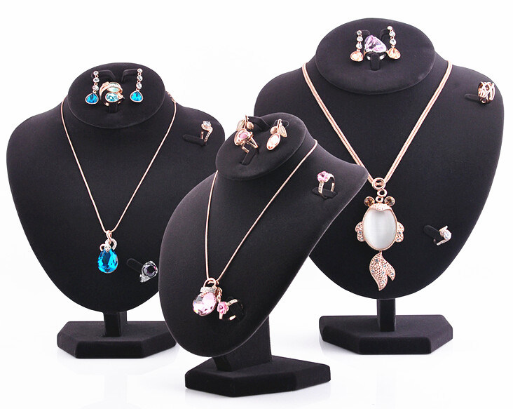 Wholesale Regular Black Velvet Necklace Displays