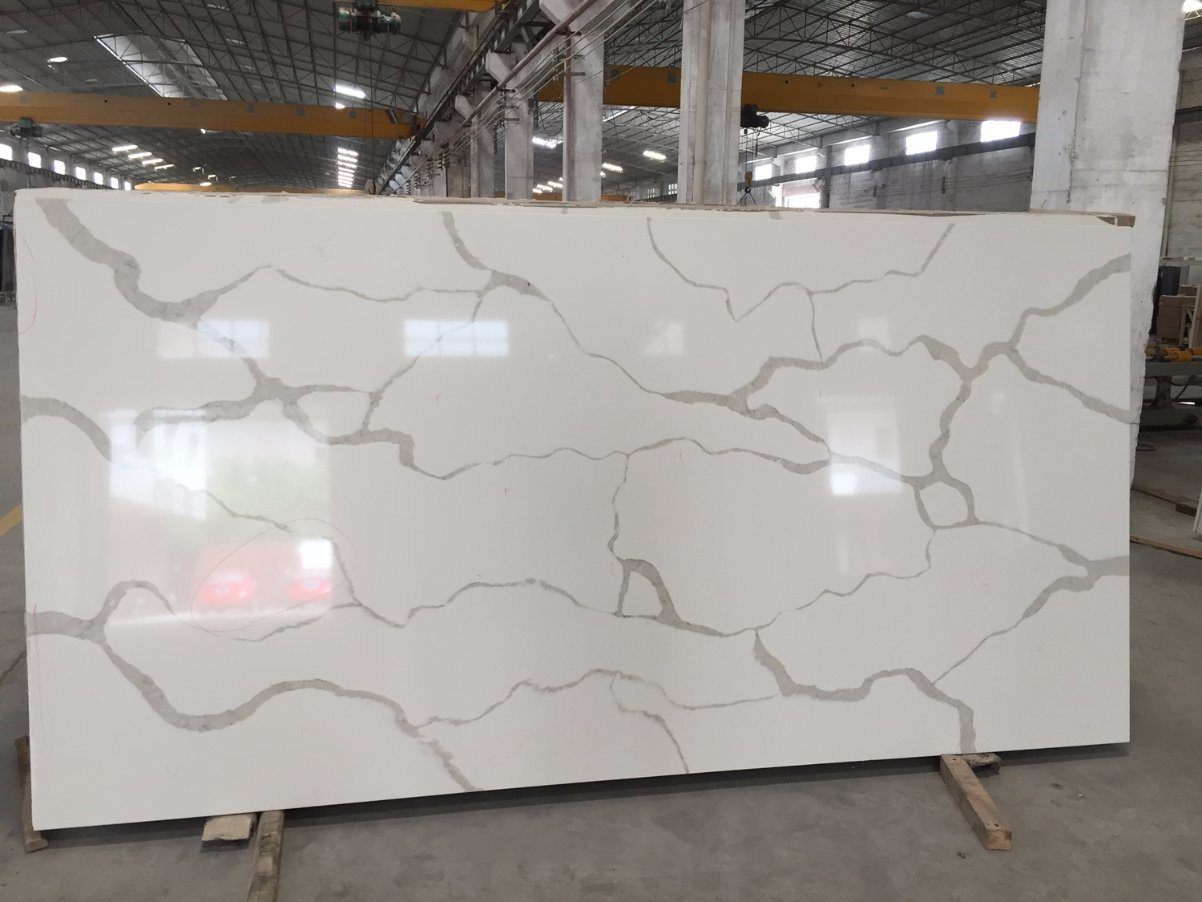 China New Arrival White Calacatta Quartz Stone with Big Slab Size ...