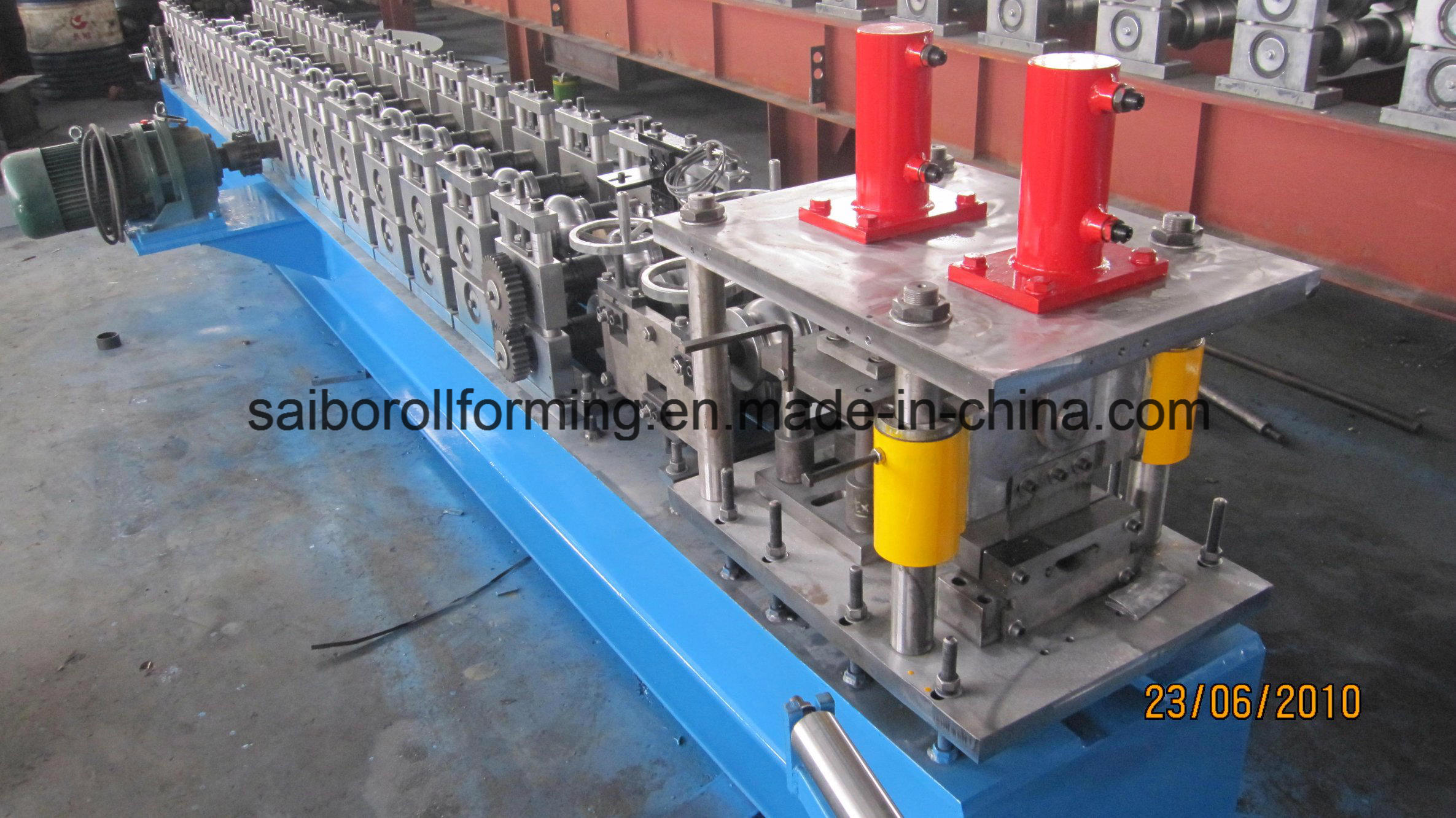 Garage Door Roll Forming Machine pictures & photos