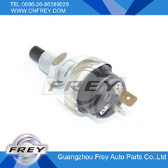 China Auto Parts Brake Light Switch for Mercedes Benz