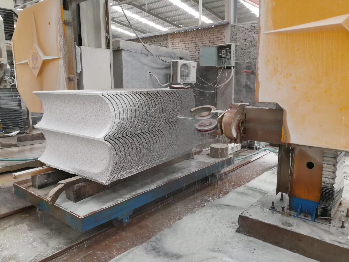 Stone Marble Granite CNC Diamond Wire Saw Cutting Machine pictures & photos