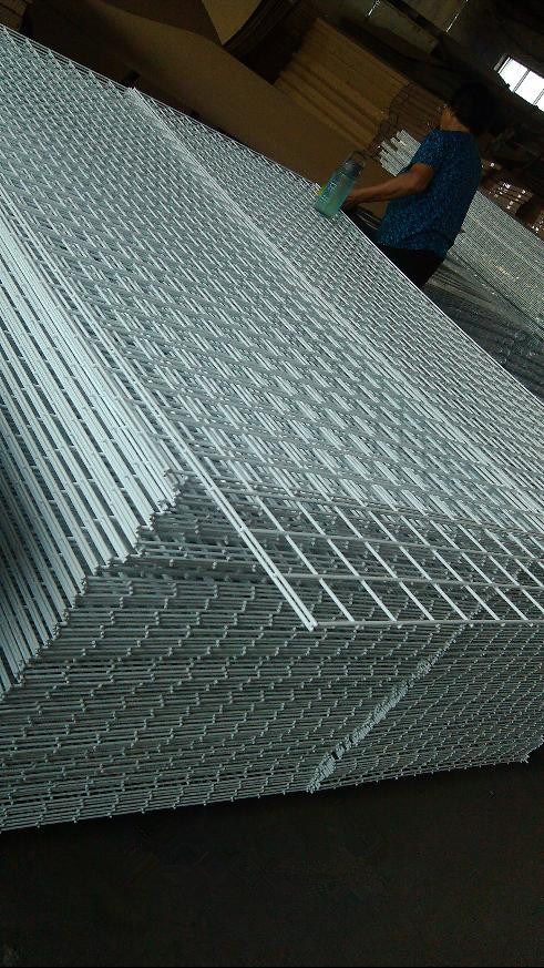 China Gridwall System Metal Grid Panel/Wire Grid Panel for display ...