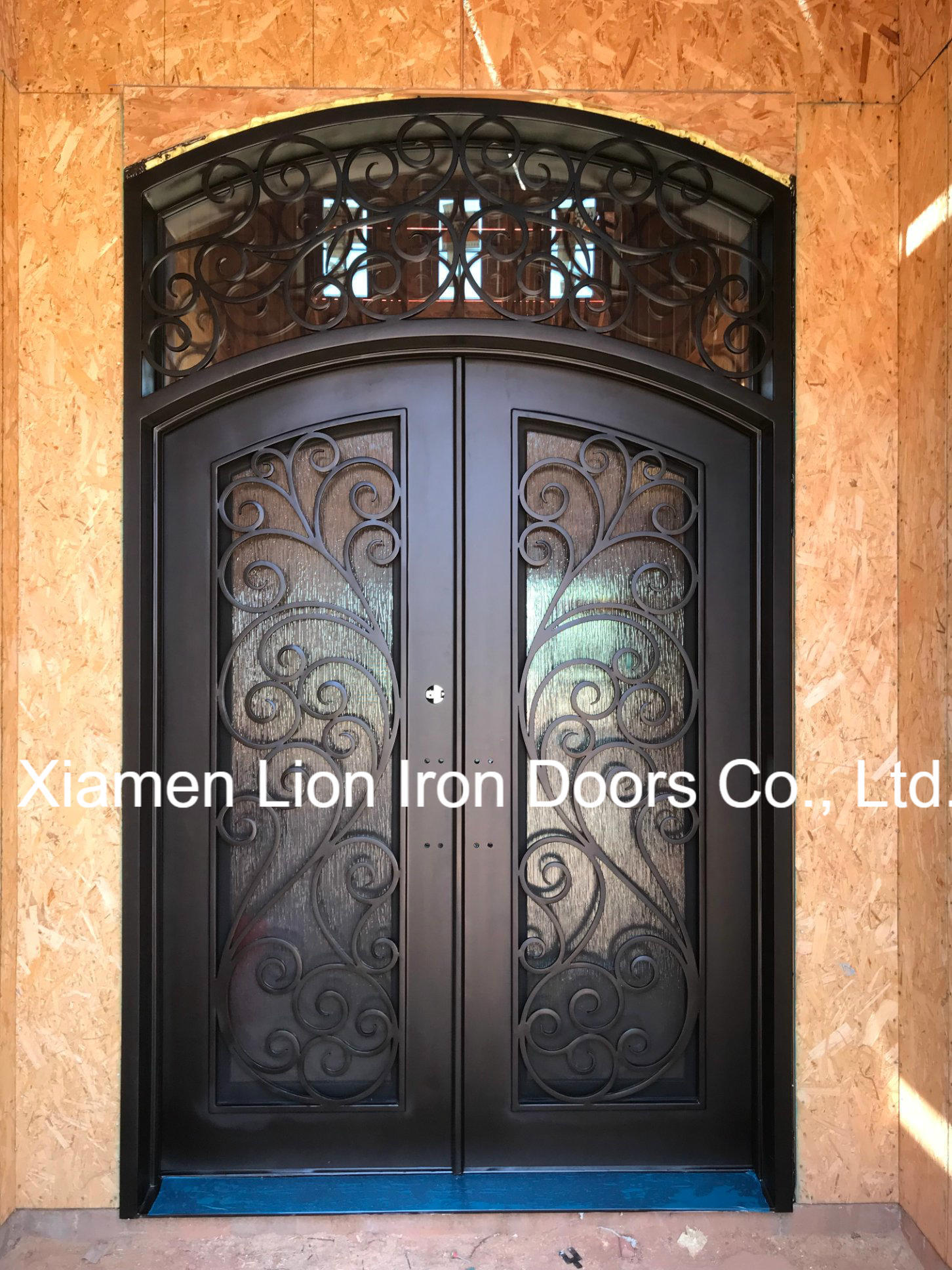 Entrance doors for a private house insulated
