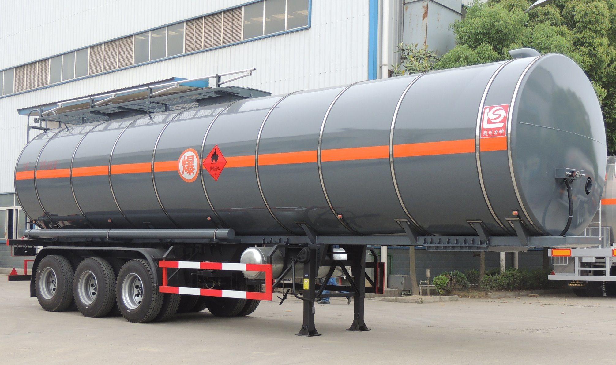 Liquid Flammable Petroleum Road Transport 44000 Liters 3