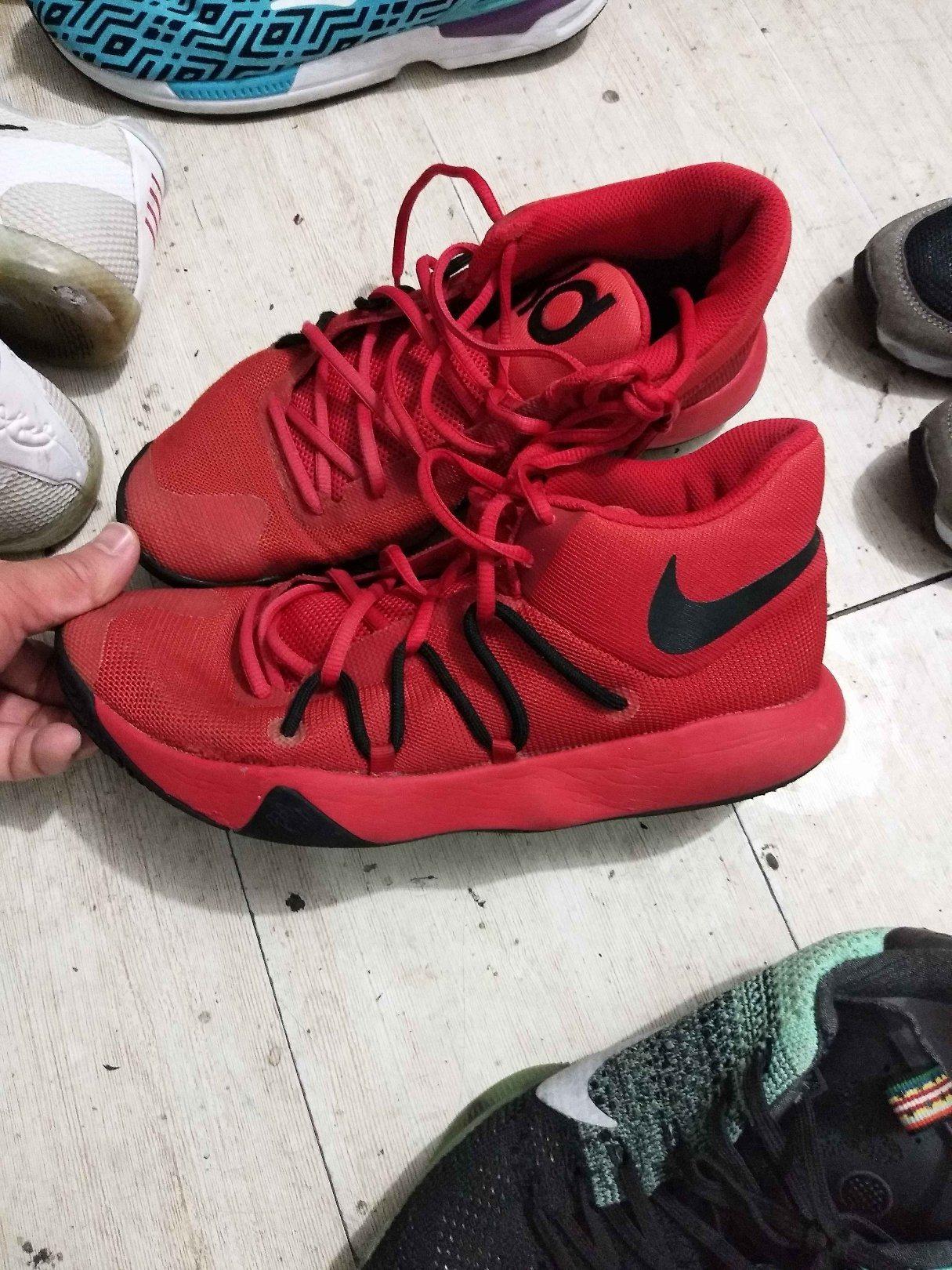 sports shoes nike adidas