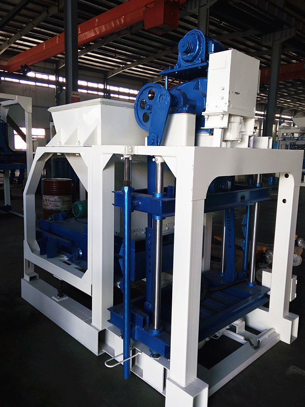 Low Price Cement Brick Block Making Machine Price, Cement Manual Block Making Machine (QTJ4-20) pictures & photos
