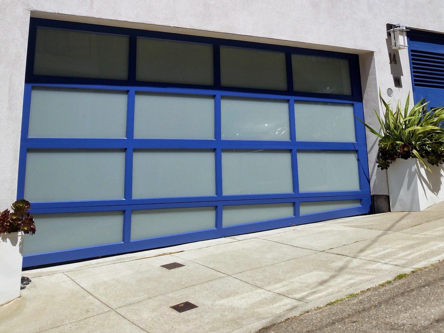 China Wholesale Custom Size Fiberglass Panoramic Garage Doors China Modern Garage Door Aluminum Aluminium Door
