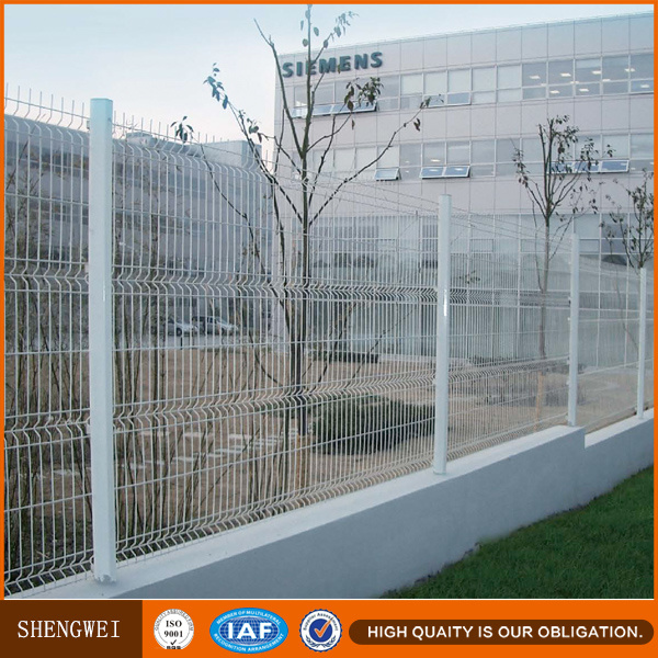 China Square Tube PVC White Bend Wire Mesh Fence Panels Systems ...