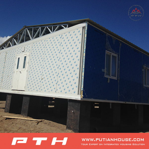 Luxury Living Home Constructed by Joint Together Container House