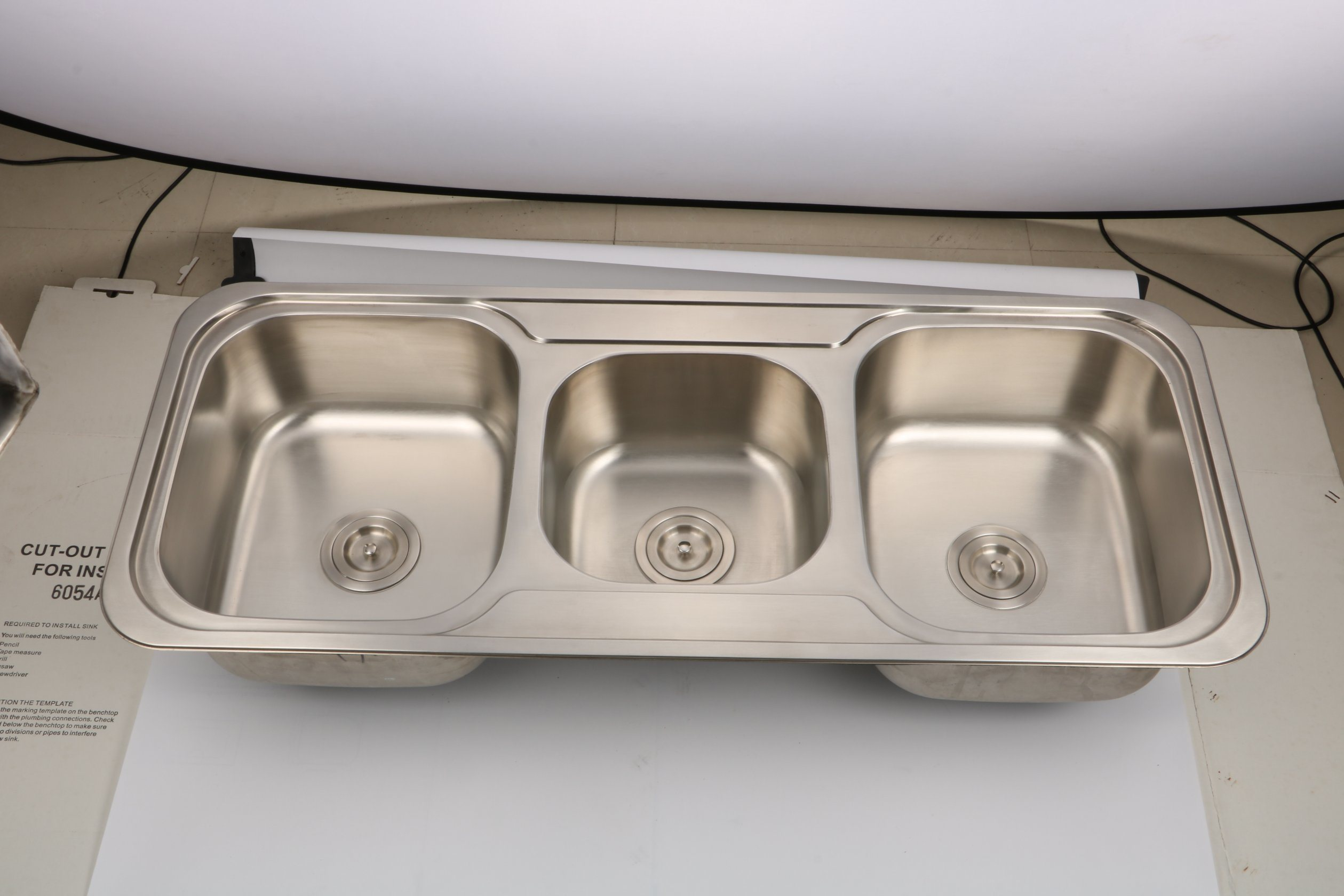 China Stainless Steel Triple Bowl Kitchen Sink Photos Pictures Made In China Com