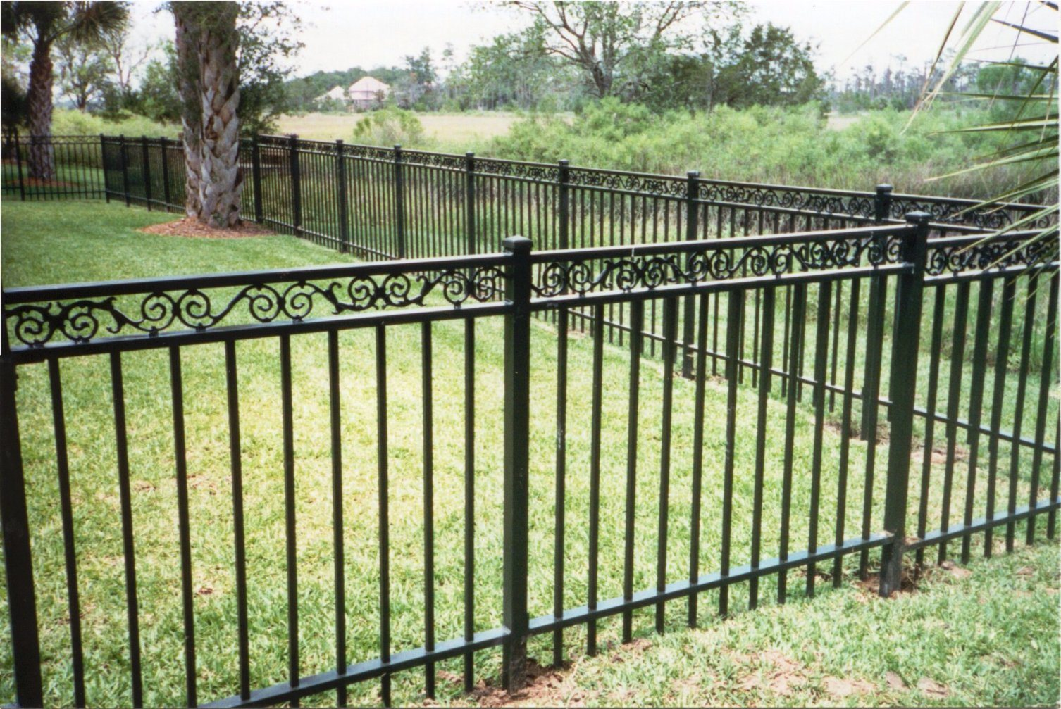 [Hot Item] Cast Iron Fence Metal Fencing Rails