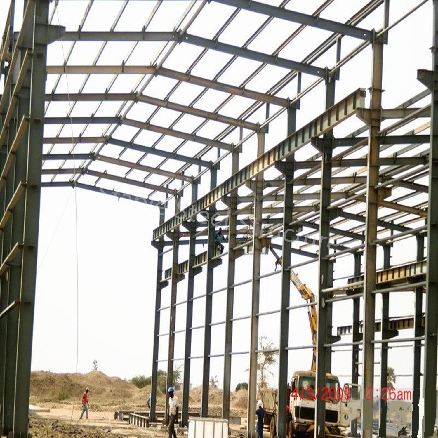 China Pre-Engineered Steel Space Frame Buildings of Peb Structure ...