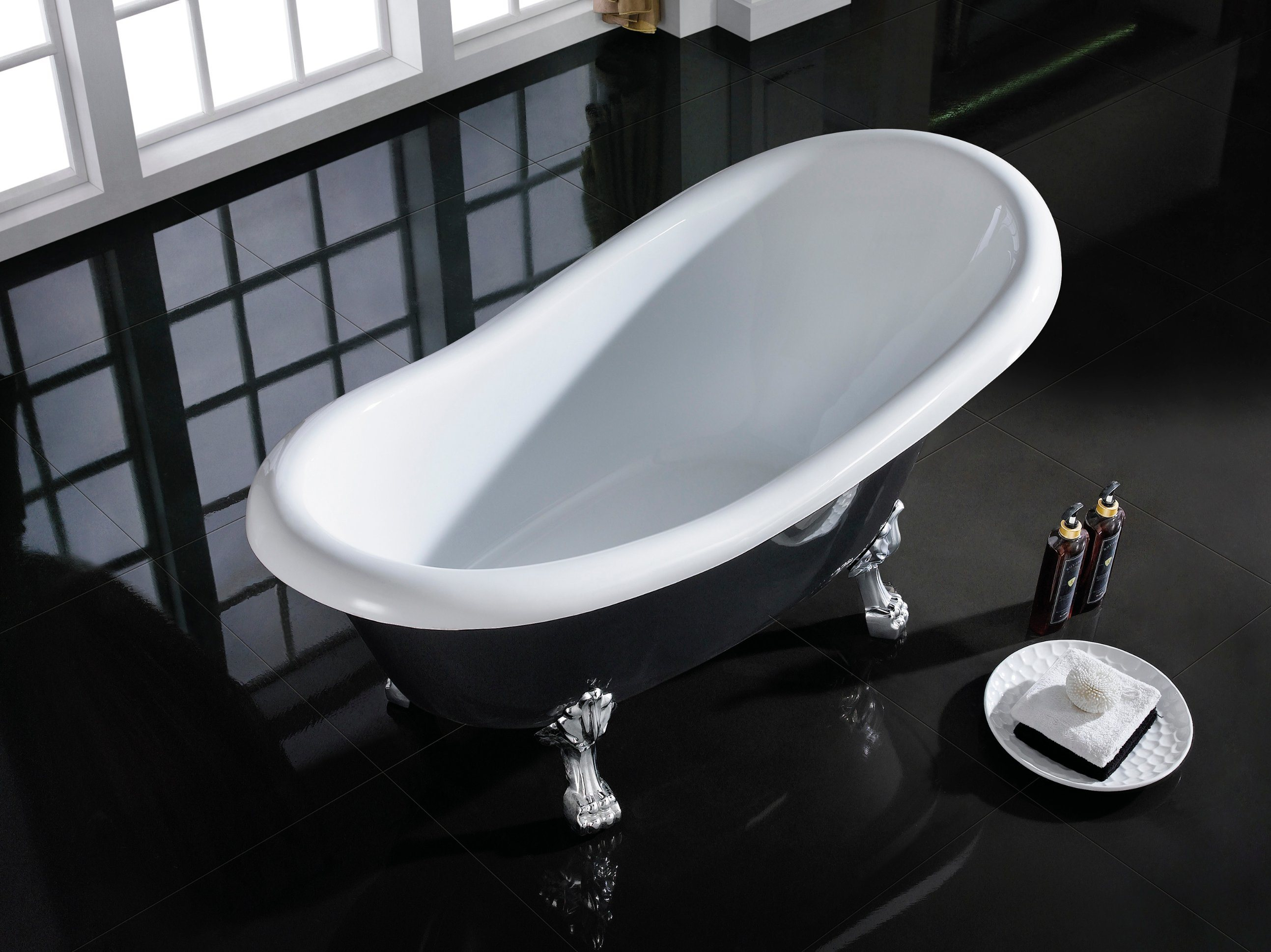 China Classical Black Slipper Acrylic Clawfoot Bath Tub with Matt ...