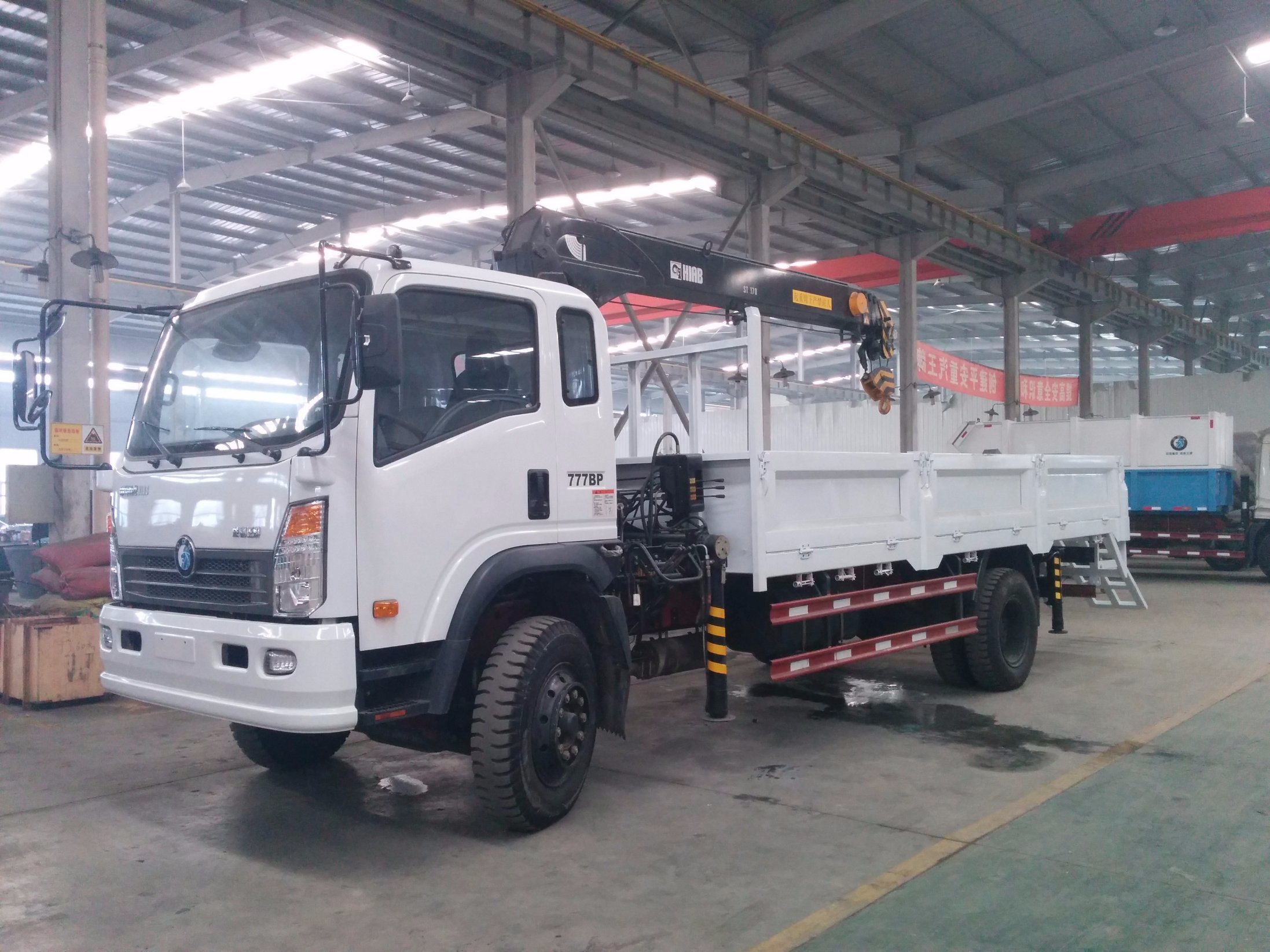 Crane Truck For Sale >> China Sinotruk 8t Crane Truck 4x2 Mounted Truck Crane For Sale