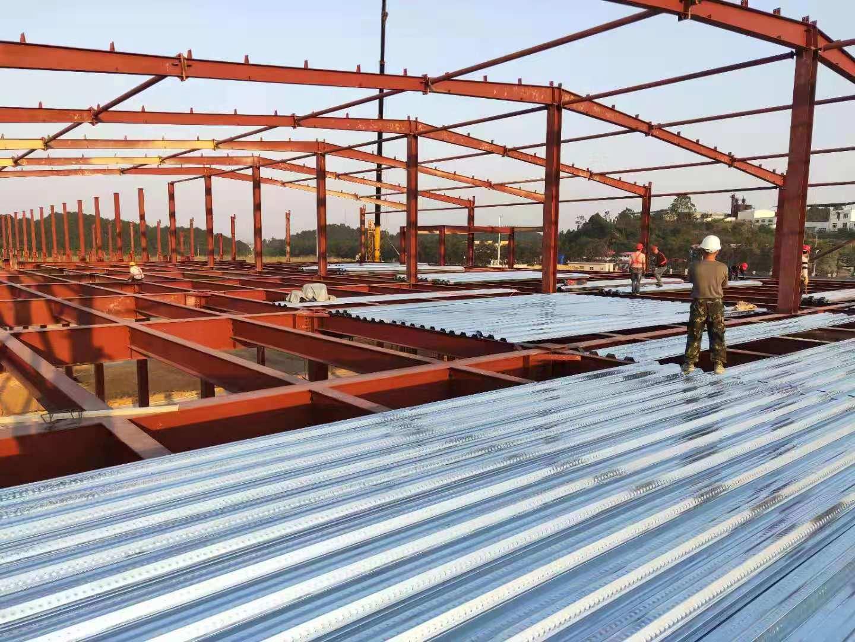 China Metal Sheet Prefabricated Steel Structure Building Steel Truss Pole Barn China Earthquake Proof Prefabricate House