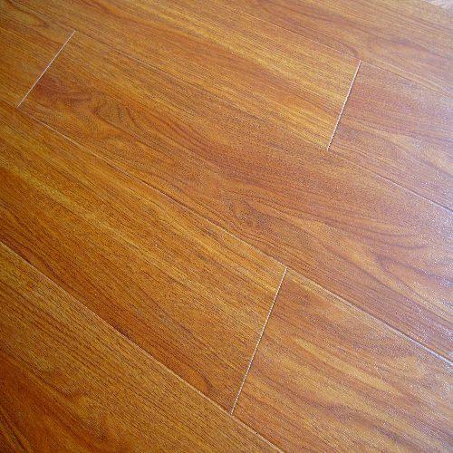 China Real Wood Texture Laminate Flooring 8204 China