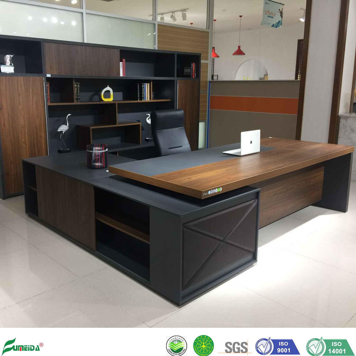 [Hot Item] Wooden Standing Computer Executive Desk for Office Furniture  Project of CEO Room