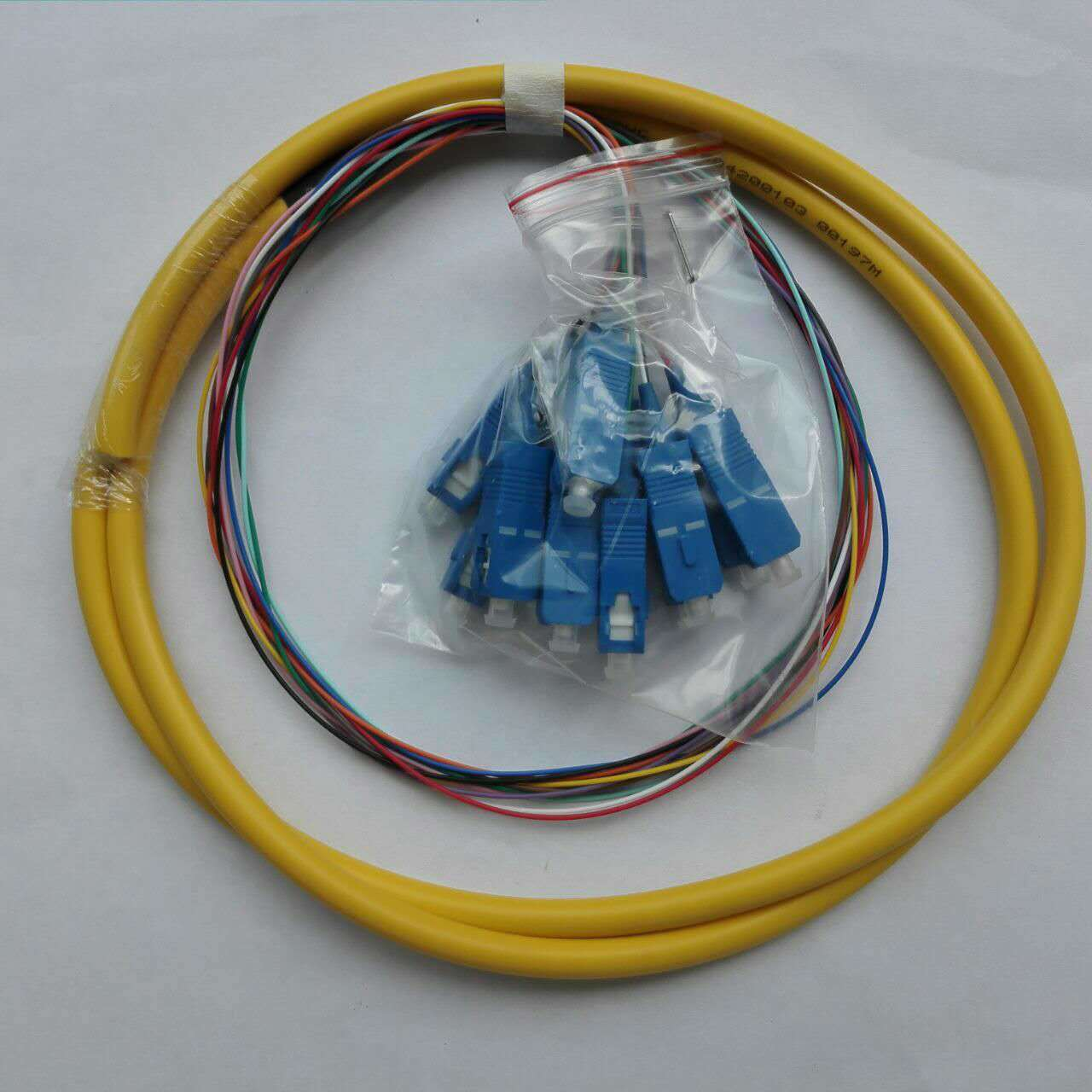 1.5m 12 Cores Bundle Fiber Optical Sc/Upc Sm Sx Pigtail Made in ...